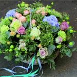 Красивые букеты цветов с услугой доставки на дом