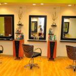 Рабочее место мастера парикмахера — какое оборудование устанавливать