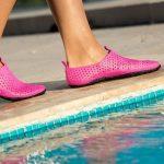 Какая бывает обувь для бассейна и для чего она нужна